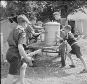 Boy_Scouts_Pick_Fruit_For_Jam-_Life_on_a_Fruit-picking_Camp_Near_Cambridge,_England,_UK,_1943_D16199